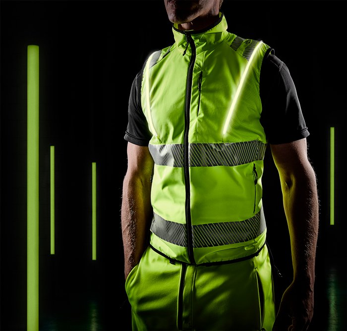 FRISTADS: Fristads präsentiert sportliche Warnschutz-Kleidung